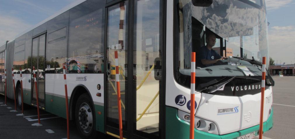 Петербургский автобус: 90 лет — не возраст!