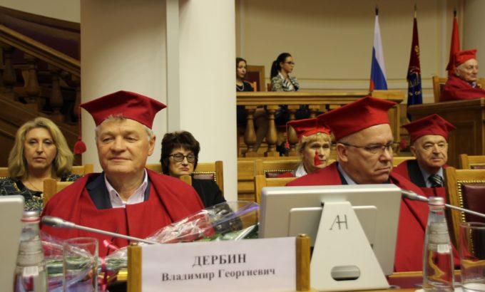 Почетные профессора СПбГУП Владимир Дербин и Евгений Макаров