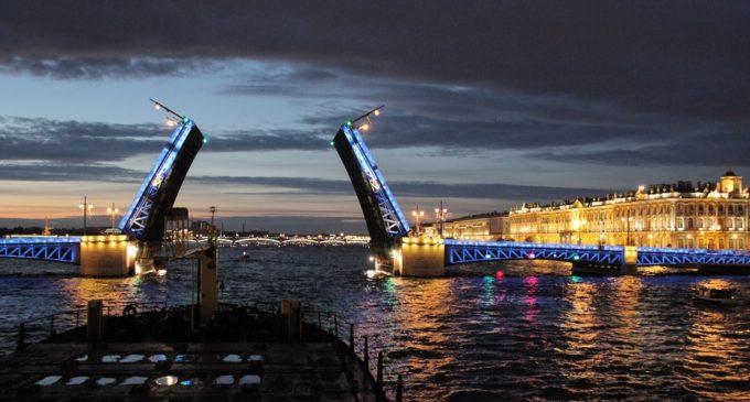 «Ленсвет» дарит свет Петербургу