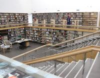 Пусть в библиотеках всегда будет много читателей!