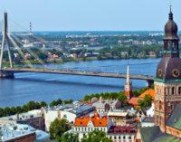 Латвия: зарплаты вырастут на 6-8 процентов