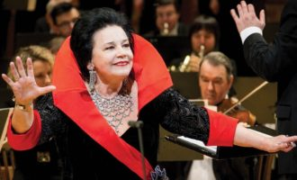 «Звезды» оперной сцены выступят в Мариинском и …откроют конкурс