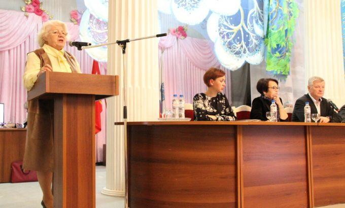 Нина Леотьева