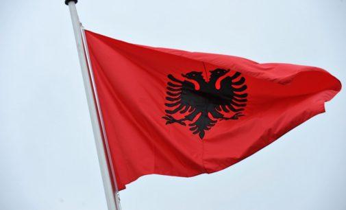 Албания: за зарплатой — на демонстрацию!