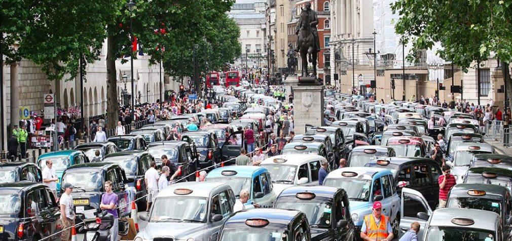 Великобритания: таксисты — за Uber