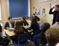 Зарплаты педагогов: указ выполняется, но какой ценой?