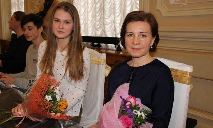 Вместе с мастером Еленой Кажаровой