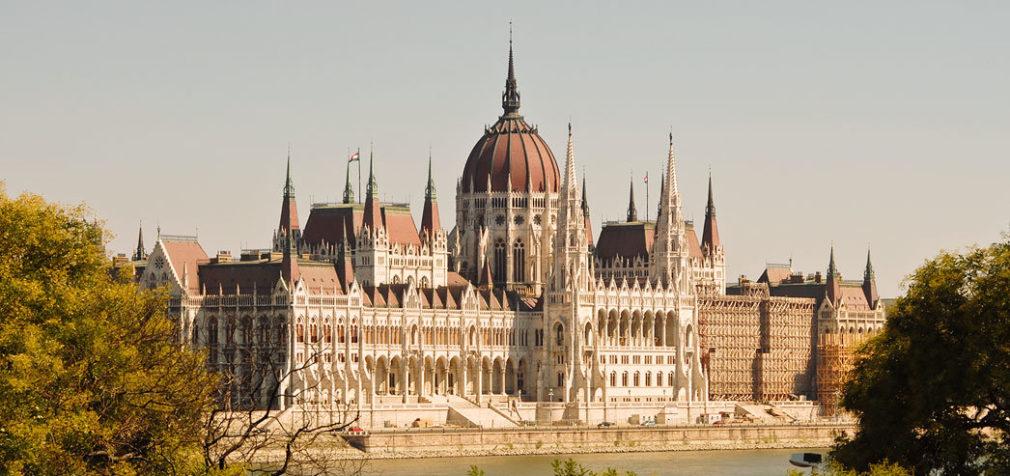 Венгрия: многодетных освободят от подоходного налога