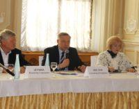 Общественники и глава города обсудили вопросы экологии и молодежной политики