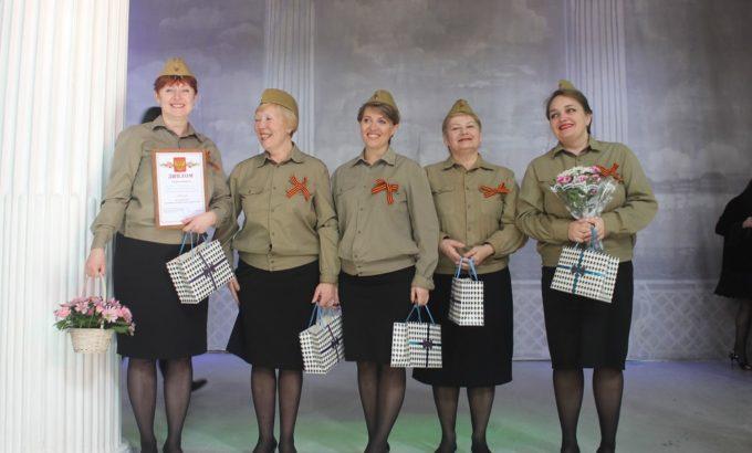 Девушки из Петродворца