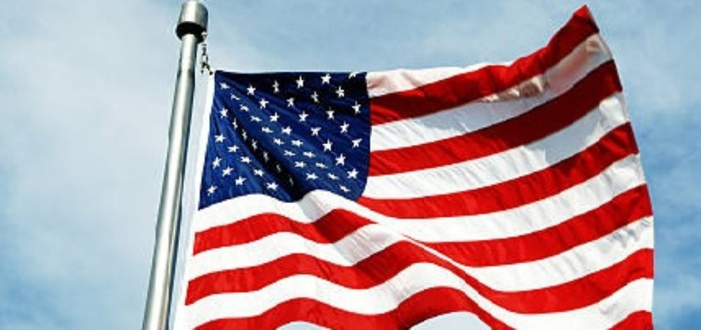 США: сидящим на пособии не дадут грин-карт