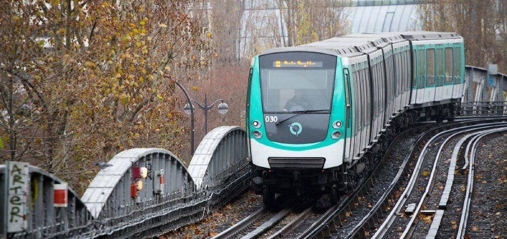 Франция: в Париже остановился городской транспорт
