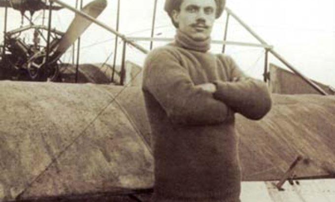 Степан Гризодубов у своего самолета