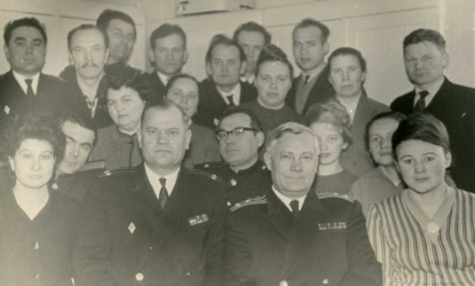 Научный коллектив под руководством Аркадия Каткова. Антонина Фомичева - крайняя справа