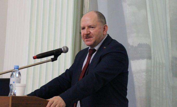 Юрий Офицеров
