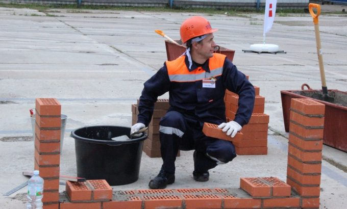 Евгений Азука во время состязаний