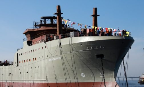 Корабелам столицы российского судостроения – виват!